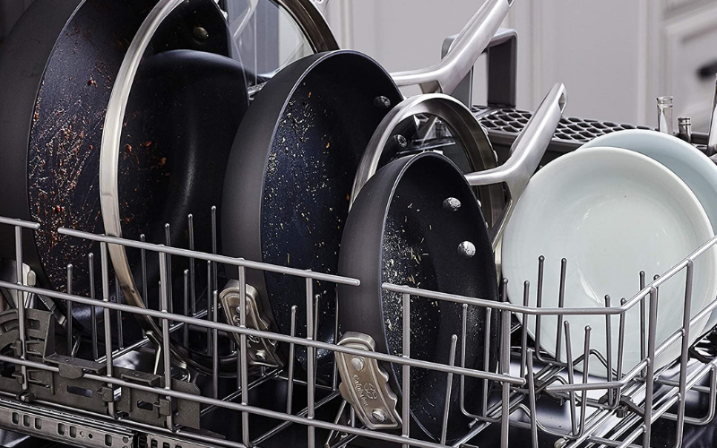 Can Calphalon Pans Go in the Dishwasher?