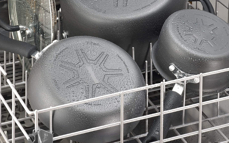 Can Non Stick Pans Go in the Dishwasher?