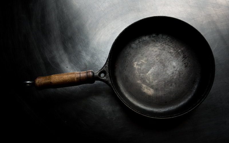 How to Dispose of Old Cooking Pans