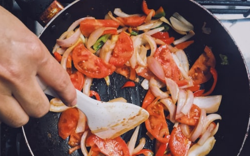 What to Do with Scratched Teflon Pans